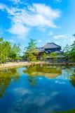 Reflexão V do lago gate da entrada de Daibutsuden Ro-segunda-feira Fotos de Stock Royalty Free