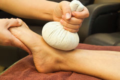 Reflexology Fußmassage Stockfotos