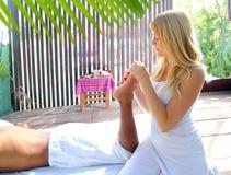 Reflexology Massagetherapie-Physiotherapiedschungel stockbilder