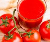 Refrescamento vegetal de Juice Represents Thirsty Refreshments And do tomate imagens de stock
