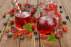 Refreshing berry drink Royalty Free Stock Photos