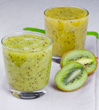 Refreshing cocktail of kiwi and mint Royalty Free Stock Photos