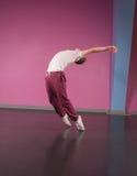 Refresque al bailarín de la rotura que estira al revés Imagen de archivo