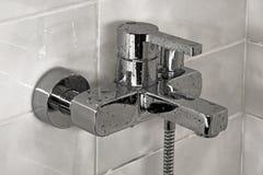 Refresque el grifo de la ducha Imágenes de archivo libres de regalías