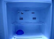 Refrigerador azul fotos de archivo