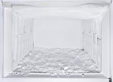 Refrigerador blanco abierto del congelador Foto de archivo