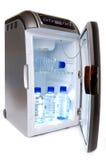 Refrigerador com os frascos da água Foto de Stock