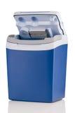 Refrigerador eléctrico con de tragante abierto aislado en blanco fotografía de archivo