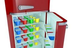 Refrigerador y yogur Fotos de archivo libres de regalías