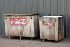 Refrigeradores da coca-cola do vintage imagem de stock royalty free