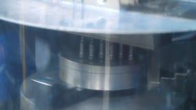 Refrigerar da placa do metal durante a metalurgia na máquina de trituração filme