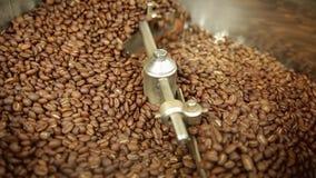 Refrigerar do café na máquina do café video estoque