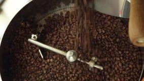 Refrigerar do café roasted vídeos de arquivo