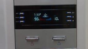 Refroidisseur dans le bureau banque de vidéos