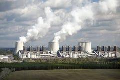 Refroidisseurs d'une centrale électrique Photos libres de droits