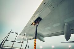 Refueling the aircraft Royalty Free Stock Photos