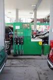 Refueling benzyna zostać drogim sprawą Fotografia Royalty Free