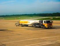 Refueller de truk de réservoir dans le hdr de Hambourg Image stock