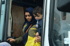Refugiados de la madre y del hijo de Siria Fotos de archivo libres de regalías