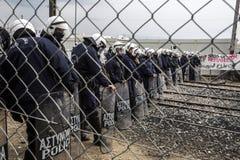 Refugiados de Sirian obstruídos em Idomeni Fotografia de Stock Royalty Free