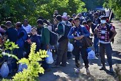 Refugiados en Babska (servio - frontera de Croatina) Foto de archivo libre de regalías