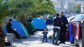 Refugiados en el puerto Fotos de archivo libres de regalías
