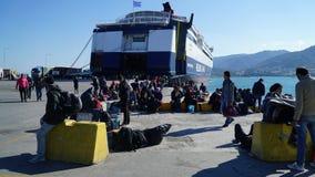 Refugiados en el puerto Imágenes de archivo libres de regalías