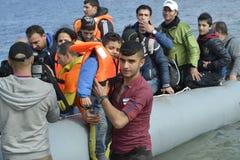 Refugiados que chegam em Lesvos Imagens de Stock Royalty Free