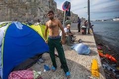 Refugiados que llegan en Grecia en barcos inflables de Turquía Fotografía de archivo libre de regalías