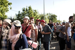 Refugiados trenzados en Tovarnik Foto de archivo