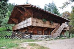 Refugio de la montaña Llamado: Suizo/szwajcarka, ubicación Polonia, montañas Rudawy Janowickie imagenes de archivo