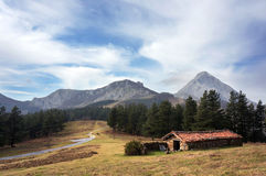 Refugio en el parque natural de Urkiola Foto de archivo