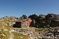 Refugio en montañas Fotos de archivo