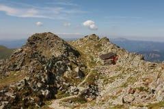 Refugio encima de las montañas Fotografía de archivo
