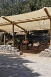 Refugio para el burro para que el viaje excave de Zeus en las montañas de Dikti de la isla de Creta de Grecia imagen de archivo
