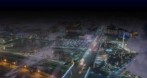 Regaços do tempo da cidade sob as nuvens, laço video da noite video estoque