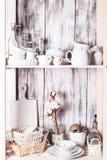 Regale im Gestell Stockbilder