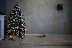Regali dell'albero della decorazione di Natale del nuovo anno Fotografia Stock Libera da Diritti