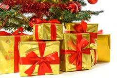 Regali di lusso sotto l'albero di Natale Fotografia Stock