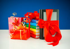Regali di Natale con il lettore elettronico del libro Immagini Stock