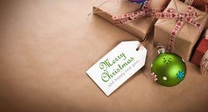 Regali di Natale con l'etichetta Immagini Stock Libere da Diritti