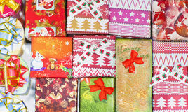 Regali di Natale posti Fotografia Stock Libera da Diritti