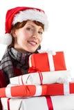 Regali di Natale sorridenti della tenuta della donna Immagine Stock Libera da Diritti