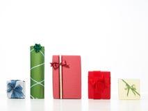 Regali di Natale in una riga Fotografie Stock
