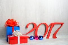 Regali di numero 2017 e di Natale Fotografie Stock Libere da Diritti