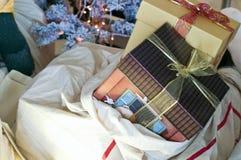 Regali e presente di Natale Fotografie Stock