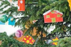 Regali leggiadramente alla notte di Natale in Austria Fotografie Stock Libere da Diritti