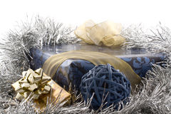 Regalo azul de la Navidad fotos de archivo libres de regalías