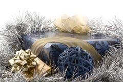 Regalo blu di natale Fotografie Stock Libere da Diritti