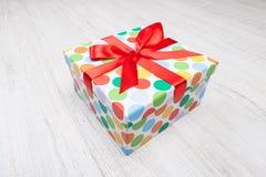 Regalo de cumpleaños imágenes de archivo libres de regalías